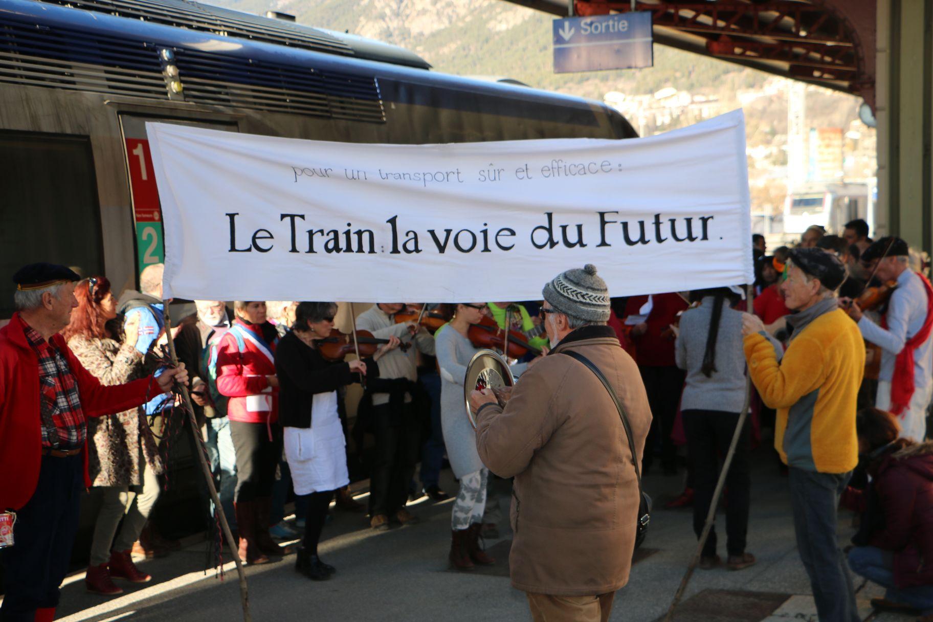 Les élus de Briançon présents au Grand Traintamarre 1