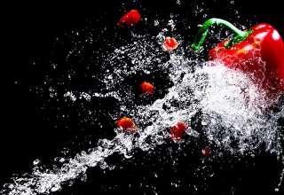 Une machine découpe vos matériaux avec précision grâce à l'eau 1