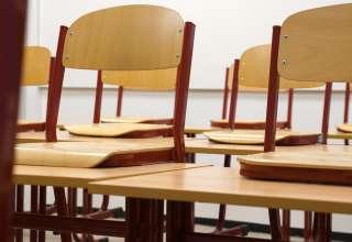 La table d'écolier en bois, un meuble indispensable pour l'apprentissage 4