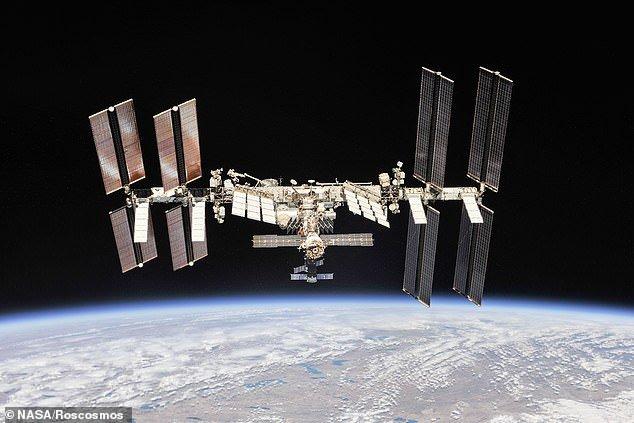 La Station spatiale internationale a de nouvelles fissures, disent les cosmonautes 12