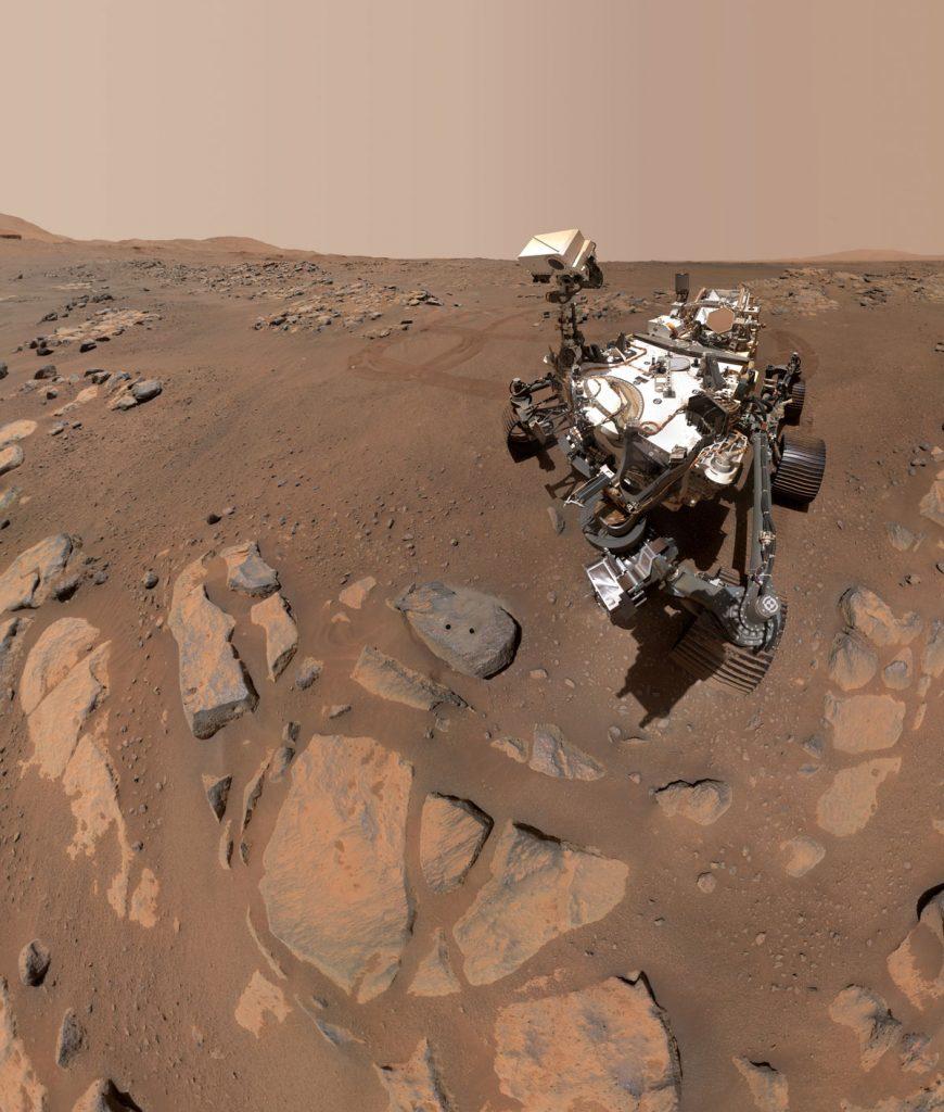 Perseverance prend un selfie sur le site d'échantillonnage de Mars 1